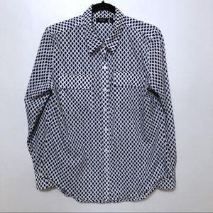 5/$20 Apt. 9 button up blouse blue white pattern